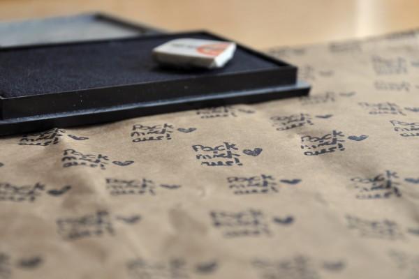 Geschenkpapier stempeln